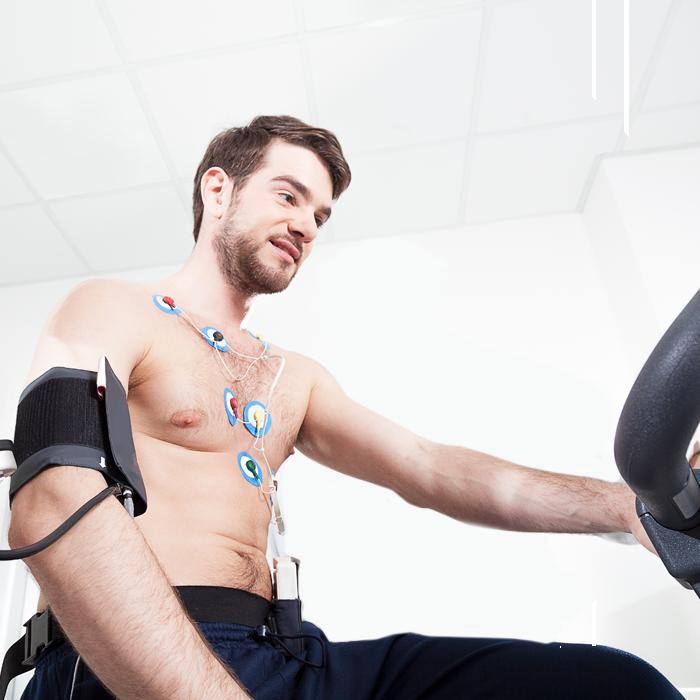 Durchführung eines Belastungs-EKGs in der Praxis für Gastroenterologie und Kardiologie Dr. Rösler & Dr. Lachmann in Bayreuth.